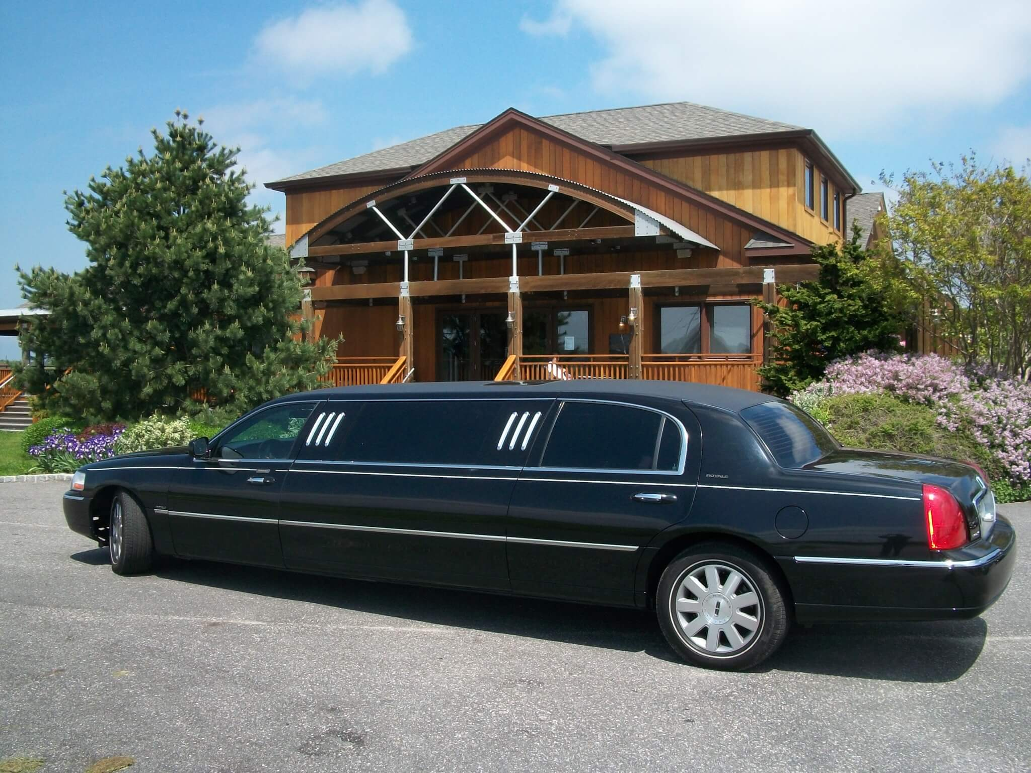 Long-Island-Adventures-Long-Island-Wine-Limo-Tours